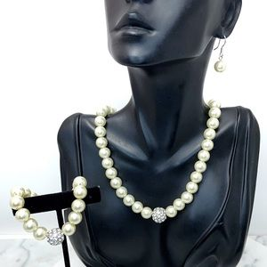 Bridal Occasion Pearl Necklace Bracelet & Earrings